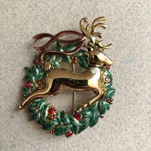 Monet Christmas Reindeer Stag Deer Wreath Brooch.
